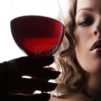 στο κοκκινο (κρασι) η γυναικεια λιμπιντο!