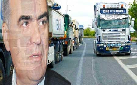 χωρισ …ζωνη ασφαλειασ τα φορτηγα στο δρομο