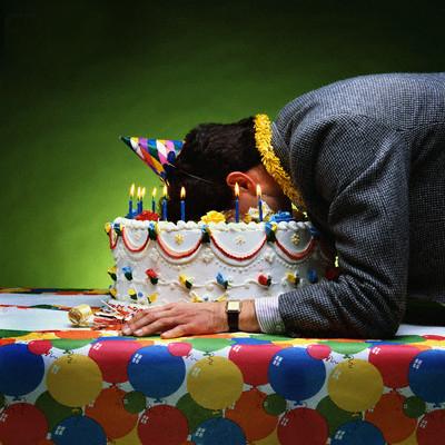 τα γενεθλια κερακια τησ ελληνικησ δεξιασ