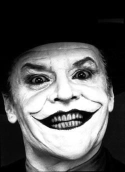 κι ομωσ υπαρχουν καποιοι που χαμογελουν ακομα