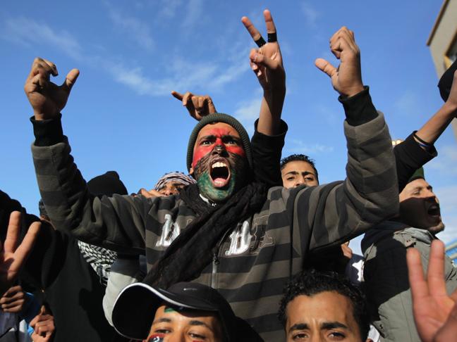 γιατι βομβαρδιζεται η λιβυη;