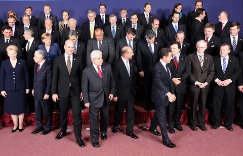 ευρωπη: τελειωσε ο χρονοσ των ενδιαμεσων λυσεων