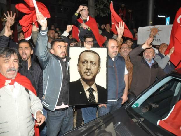 ο τουρκικοσ εθνικο-ισλαμισμοσ ειναι εδω