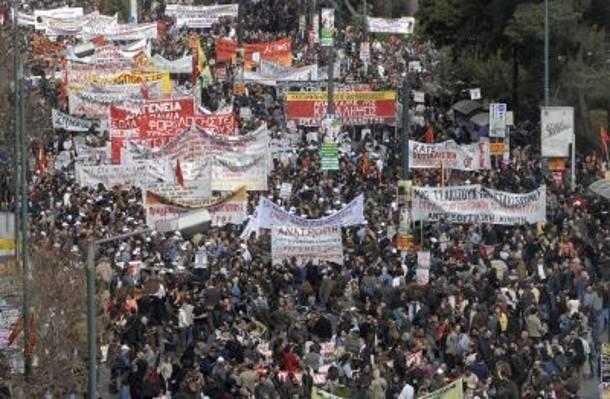 ποιο το απιστευτο κοστοσ απο απεργιεσ και διαδηλωσεισ