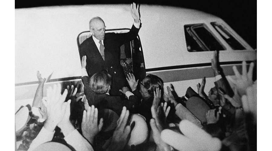η ωρα για την δ΄ ελληνικη δημοκρατια