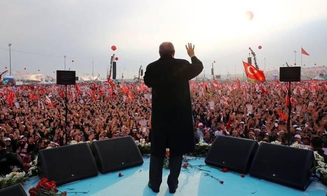 η τουρκικη αποδυτικοποιηση και τα ορια τησ