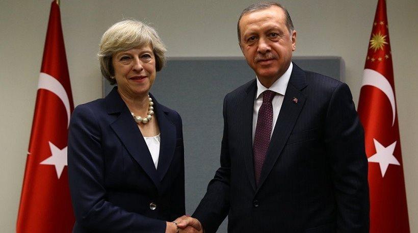 Η Τουρκία ξεσπαθώνει. Απειλεί την ΕΕ, ότι αν ανοίξει τα σύνορα της το κύμα των μεταναστών θα πνίξει τη μεγάλη οικογένεια της Ευρώπης. Ανάλογα τα προβλήματα και οι δυσχέρειες με το Brexit. Η ΕΕ βρίσκεται μπροστά σε μεγάλα διλλήματα. new deal Κωνσταντίνος Μαργαρίτης