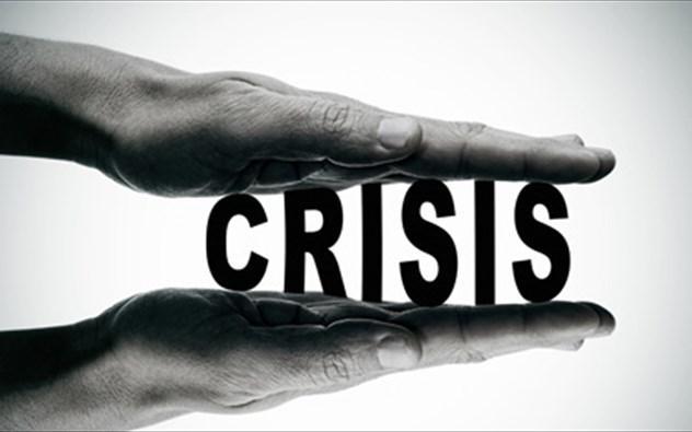 Όταν ξεσπάσει η κρίση το μαξιλάρι ασφαλείας θα εξαντληθεί πάραυτα. Η χώρα θα τρέχει πανικόβλητη εν μέσω κρίσης να λύσει το πρόβλημα. Θα έχουμε επανάληψη, ως ένα σημαντικό βαθμό, του καλοκαιριού του 2015. Κι ας σημειωθεί ότι η Ε.Ε. δεν θα ανεχθεί νέα ελληνική κρίση. new deal Αντώνης Κεφαλάς