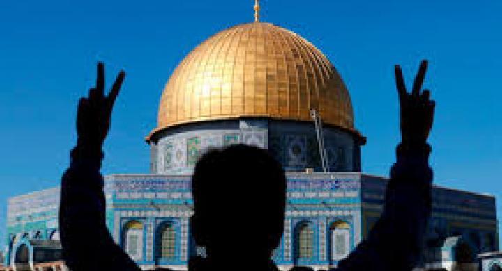 Η Ιστορία της Μέσης Ανατολής είναι ο αιώνιος ιμπεριαλισμός, η πανάρχαια σύγκρουση λαών και εθνών. Είτε πρόκειται για Θεό, είτε για Χρήμα, είτε για Ισχύ και κατάκτηση εδαφών, η γεωπολιτική αστάθεια στη Μέση Ανατολή είναι η σφραγίδα του ιμπεριαλισμού στην ανθρωπότητα... new deal Ηλίας Καραβόλιας