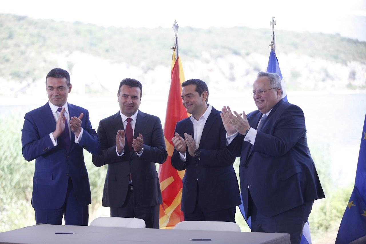 Ο Διονύσης Γουσέτης εκτιμά ότι η συμφωνία Τσίπρα - Ζάεφ οφελεί το εθνικό συμφέρον. Σημειώνει ωστόσο, ότι αν ο Πρωθυπουργός είχε επιδιώξει την εθνική συναίνεση και δεν είχε ασκήσει μυστική διπλωματία, θα είχε αναδειχθεί σε εθνικό ηγέτη. new deal