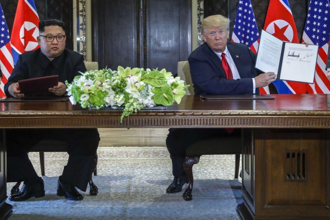 τραμπ κιμ: προβλέψιμη συνάντηση απρόβλεπτων ηγετών