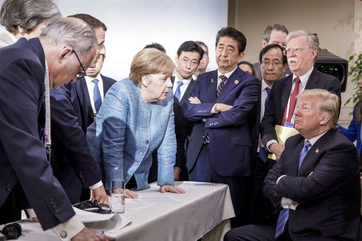 Ο Αθανάσιος Παπανδρόπουλος θεωρεί την πρόθεση Τραμπ να απομακρύνει την Αμερική από την Ευρώπη, ως μια πρόκληση για τις ευρωπαϊκές ηγεσίες να προχωρήσουν την ευρωπαϊκή ενοποίηση, καθώς αυτή είναι όρος επιβίωσης στο νέο πολυμερή κόσμο. new deal