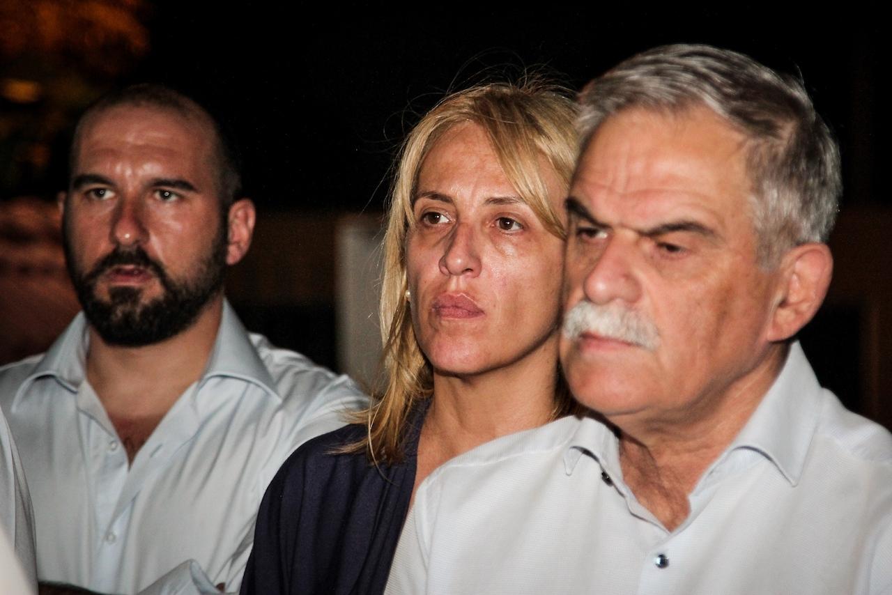 Ο Τάσος Παπαδόπουλος κάνει ανασκόπηση των γεγονότων που οδήγησαν στην τραγωδία στο Μάτι. Από την συγνώμη που δεν ζήτησε οΑλέξης Τσίπρας και στην παραίτηση που δεν προέβη, μέχρι τις απαντήσεις που ακόμα δεν δόθηκαν σχετικά με τη Ρένα Δούρου και τους αγνοούμενους. new deal