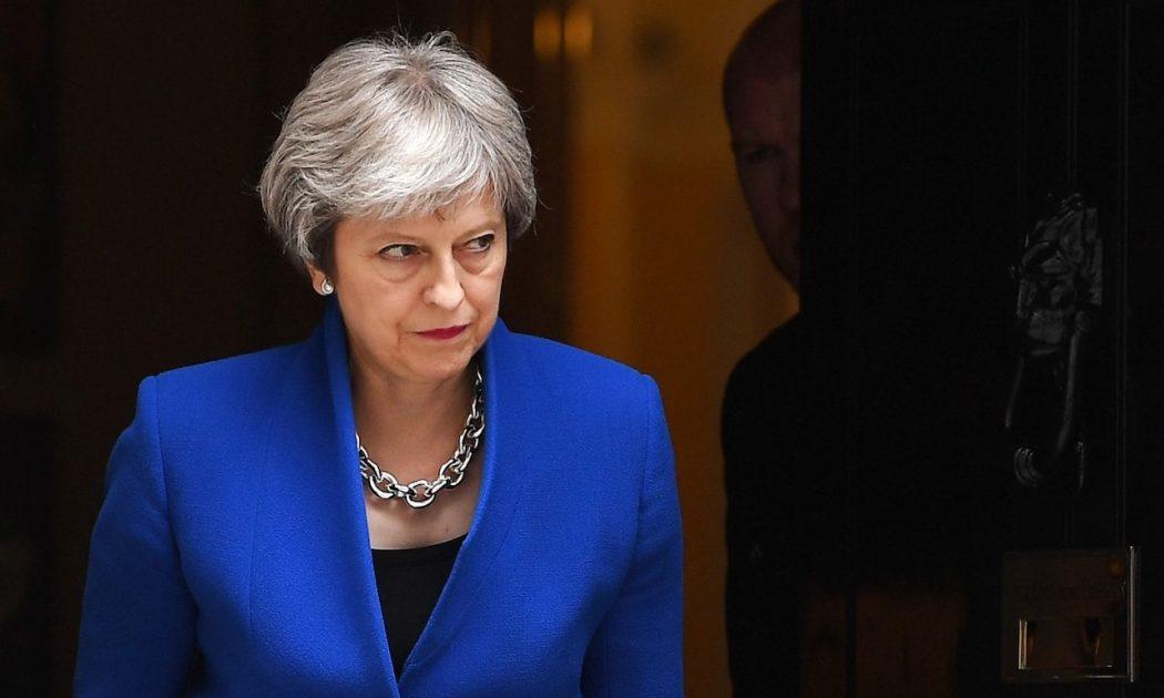το brexit αναστατώνει την τερέζα μέι