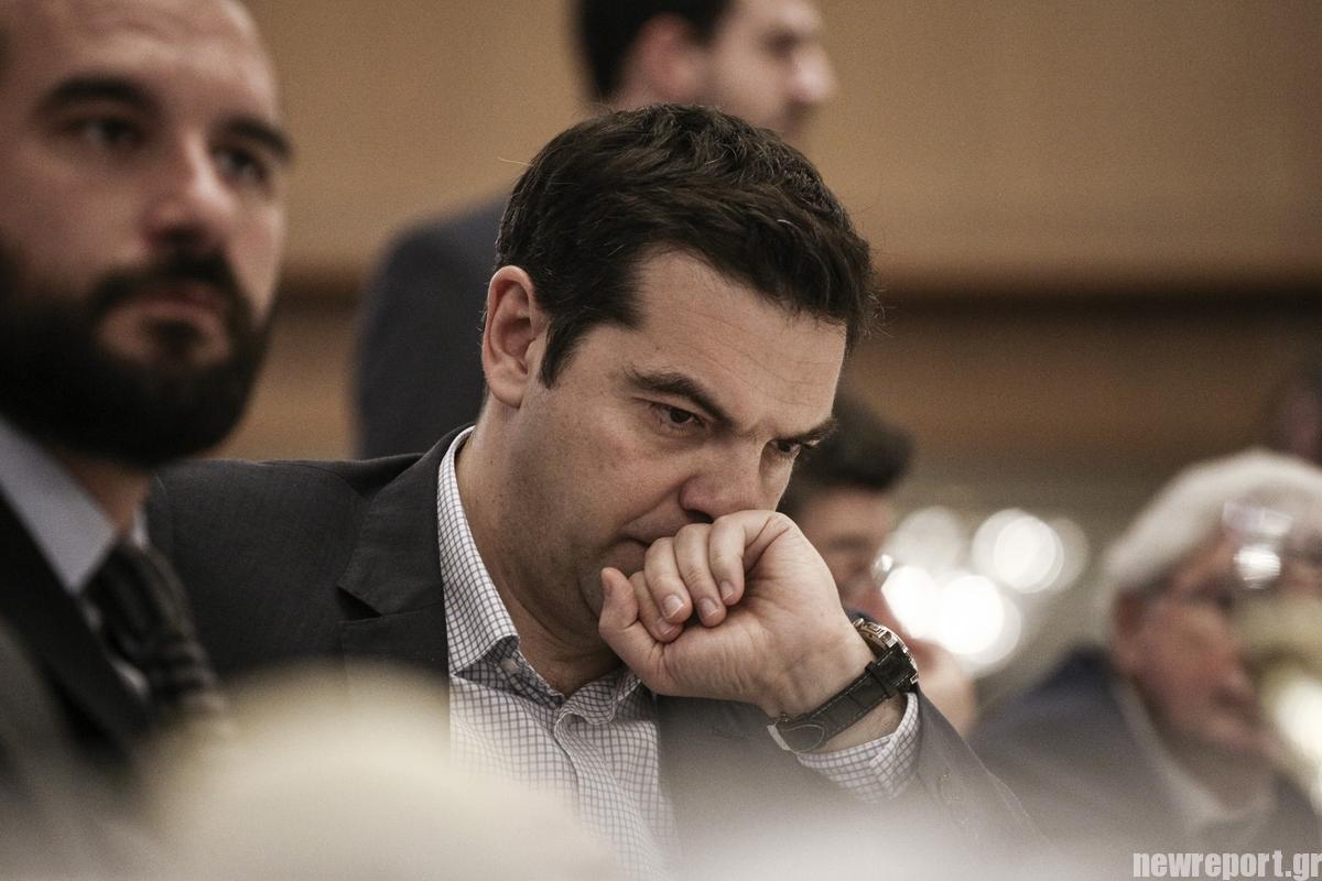 Ο Αθανάσιος Παπανδρόπουλος διαπιστώνει πως οι νέες πρωτοβουλίες που δρομολογεί ο Αλέξης Τσίπρας, όπως ο Διαχωρισμός Κράτους - Εκκλησίας, η ιδιωτική εκπαίδευση και αλλαγή του νόμου περί ευθύνης υπουργών είναι ουσιαστικά παγίδες. new deal