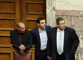 Ο Αθανάσιος Παπανδρόπουλος σημειώνει πως στην Ευρώπη, η εικόνα του Έλληνα πρωθυπουργού βρίσκεται στο ναδίρ. Η κριτική που δέχεται κυρίως από την Ευρωπαϊκή Σοσιαλδημοκρατία είναι έντονη. Καμμένος και Βαρουφάκης είναι οι κορυφαίες επιλογές από τις οποίες κάηκε ο Αλέξης Τσίπρας. new deal