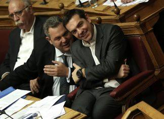 Ο Κώστας Δημ. Χρονόπουλος αποκαλύπτει την συμπαιγνία Πρωθυπουργού και υπουργού Άμυνας οι οποίοι διαγκωνίζονται για το ποιος θα κάνει μυστικές συμφωνίες με τον αμερικανικό παράγοντα και ενίοτε μέμφονται ο ένας τον άλλον για υπόγειες συζητήσεις. Ταϊζουν τους ιθαγενείς με λωτούς και κουτόχορτο. new deal