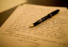 Ο Λευτέρης Κουσούλης γίνεται αυτόπτης μάρτυρας μιας ιστορίας που εκτυλίσσεται στην παλιά ενορία στον κάμπο του Έλους στα βουνά της Μονεμβασιάς. Ο ιερέας διάβασε σε τοπικό παράγοντα ένα γράμμα από την Αυστραλία... new deal