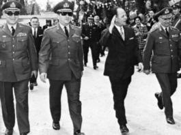 Ο Αθάνασιος Παπανδρόπουλος σημειώνει πως ο έγκριτος νομικός Γιώργος Κ. Στεφανάκης, στο τελευταίο βιβλίο του «Αποστασίας Ανατολή» (Εκδόσεις Σιδέρη) αποκαλύπτει πως οι συνταγματάρχες, για να επιβάλλουν την επταετή δικτατορία τους, αξιοποίησαν Βασιλικό Διάταγμα της 20ης Απριλίου 1967. new deal