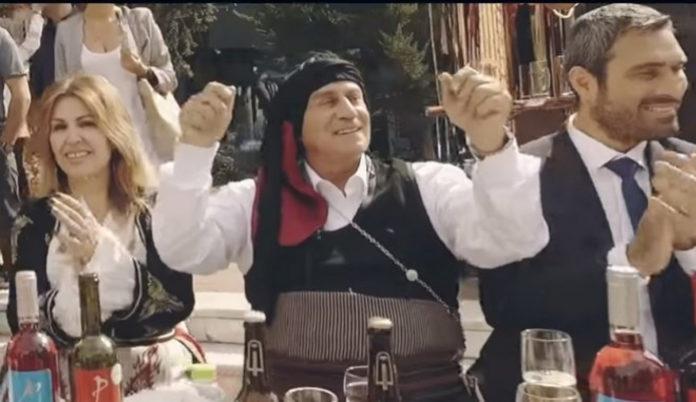 """Ο Αθανάσιος Παπανδρόπουλος σημειώνει ότι ένα κομμάτι της ΝΔ δεν αγαπά την ελευθερία. Πρόκειται για τον γαλάζιο ΣΥΡΙΖΑ που δεν είναι φιλελεύθερος και είναι αυτός που αισθάνεται ότι ο Κυριάκος Μητσοτάκης """"δεν τραβάει""""… new deal"""