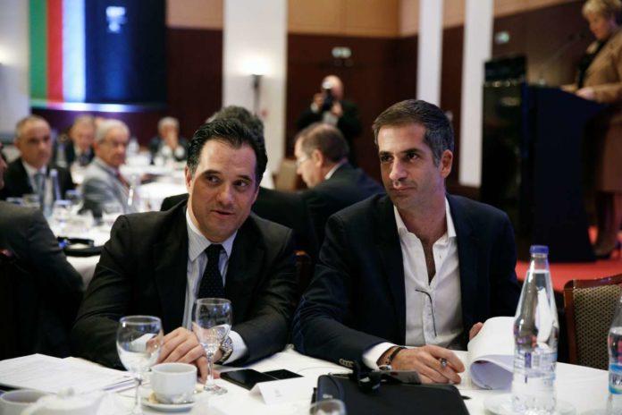Ο Ιπποκράτης Χατζηαγγελίδης θεωρεί πως η επιλογή που έκανε ο Κυριάκος Μητσοτάκης να προκριθεί ο Κώστας Μπακογιάννης για το Δήμο Αθηναίων κινδυνεύει να αποβεί σε βάρος της χώρας αν ο Ηλίας Κασιδιάρης περάσει στο δεύτερο γύρο και ως εκ τούτου διερωτάται μήπως καλύτερη επιλογή θα ήταν ο Άδωνις Γεωργιάδης. new deal