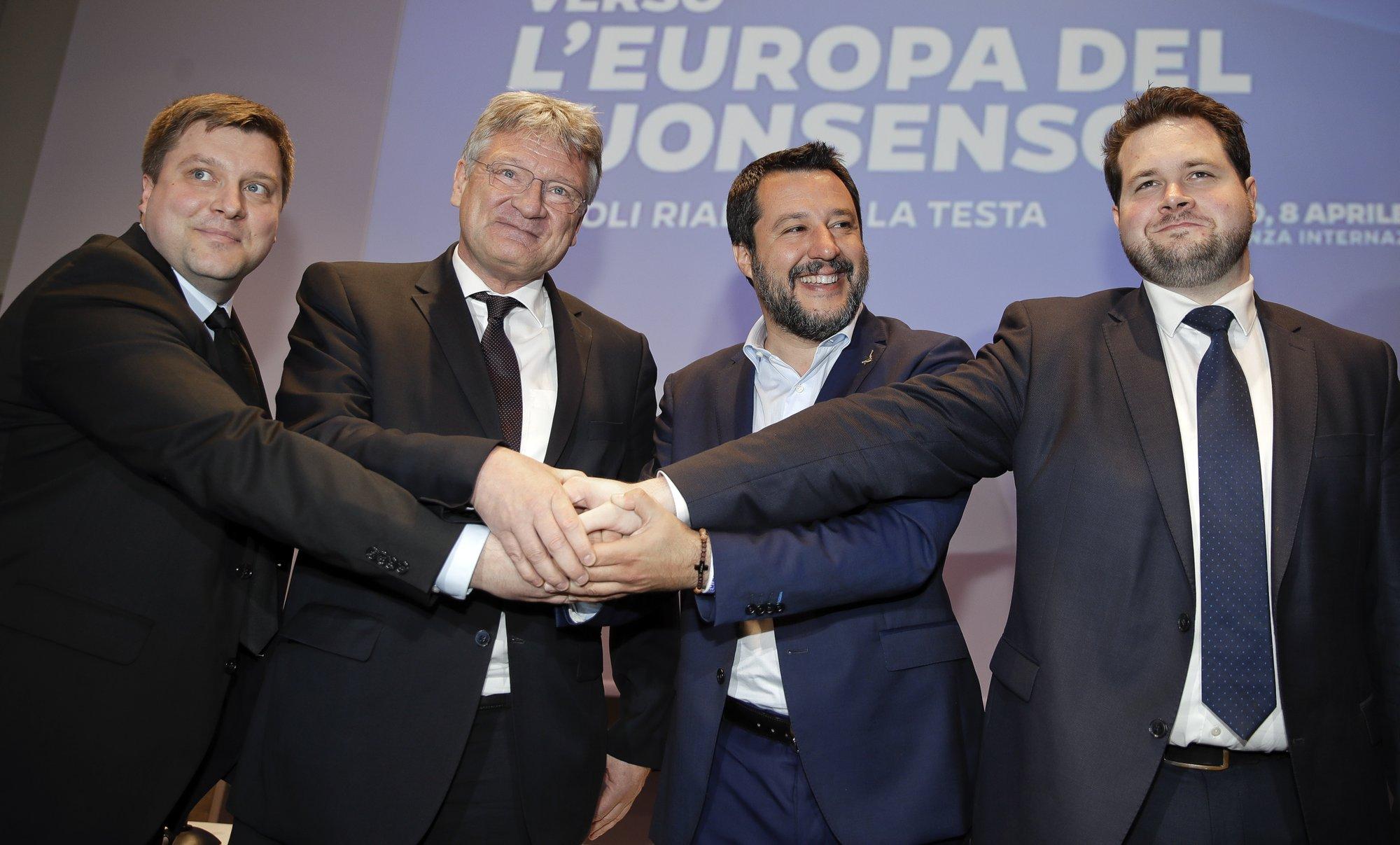 Ο Αντώνης Τριφύλλης καλεί Έλληνες και Ευρωπαίους δημοκράτες να αφυπνιστούν και στις Ευρωεκλογές με την ψήφο τους να ανακόψουν την ενίσχυση των ακροδεξιών κομμάτων που εργάζονται για την επανίδρυση της Ευρωπαϊκής Μαύρης Διεθνούς. new deal
