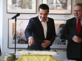 Ο Θανάσης Κ. εξηγεί γιατί ο Αλέξης Τσίπρας δεν έχει πλέον την εμπιστοσύνη των Συμμάχων και πως το νέο γεωπολιτικό περιβάλλον που διαμορφώνεται απαιτεί έναν άλλον Έλληνα ηγέτη που να μπορεί να διασφαλίσει τη σταθερότητα στην Ελλάδα και κατ' επέκταση και στην ευρύτερη περιοχή. new deal