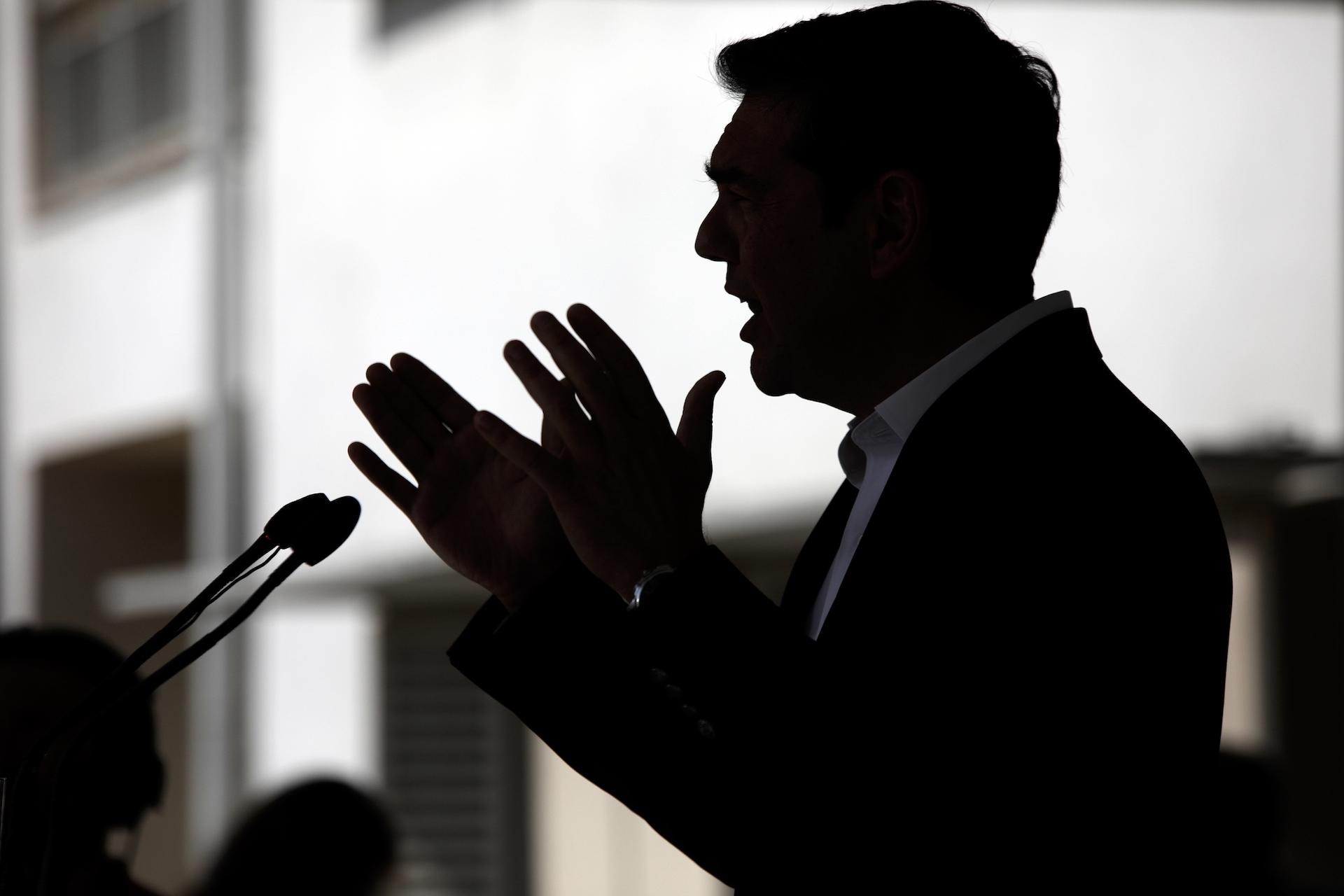 """Ο Θανάσης Κ. ισχυρίζεται ότι δεν πρέπει να αφήνονται αναπάντητα τα ψέμματα του ΣΥΡΙΖΑ! Για την """"υπερήφανη διαπράγματευση"""" Βαρουφάκη, για τις αποκρατικοποιήσεις, τα πλεονάσματα, για την υπερφορόληση της μεσαίας τάξεις, για όλα πρέπει να δίνονται οι απαντήσεις (με στοιχεία) που ακολουθούν. new deal"""