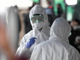 Ο Θανάσης Κ. καταρρίπτει μια προς μια τις θεωρίες συνωμοσίας που κυκλοφορούν τελευταία αναφορικά με την πανδημία που δημιούργησε ο κορωνοϊός. Δεν παραλείπει ωστόσο να επισημάνει ότι στην ανάλογη πανδημία του Η1Ν1 με πολλά περισσότερα θύματα δεν προκλήθηκε τέτοιος σάλος παγκοσμίως… new deal