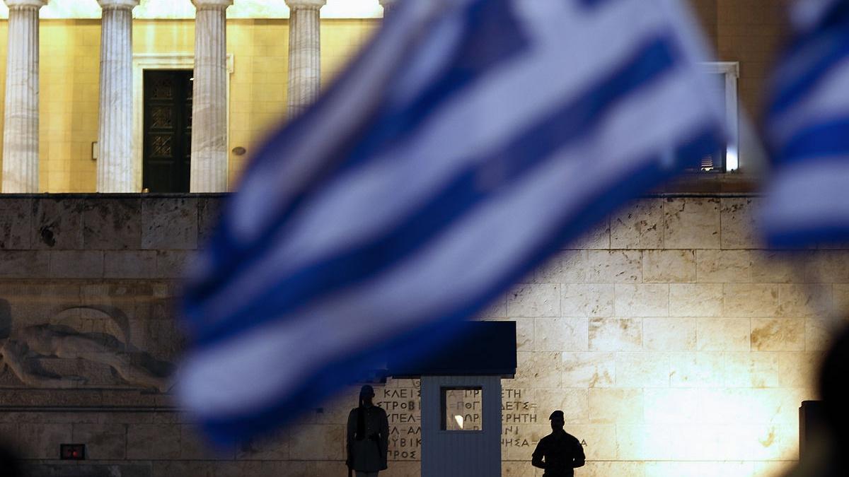 Ο Κώστας Χριστίδης υπεραμύνεται της άποψης για κυβερνήσεις τετραετίας. Ο σταθερός εκλογικός κύκλος θεωρείται αναγκαίος για την πολιτική σταθερότητα και κατ' επέκταση την οικονομική σταθερότητα. Ως εκ τούτου θεωρεί ότι πρόωρες εκλογές για να