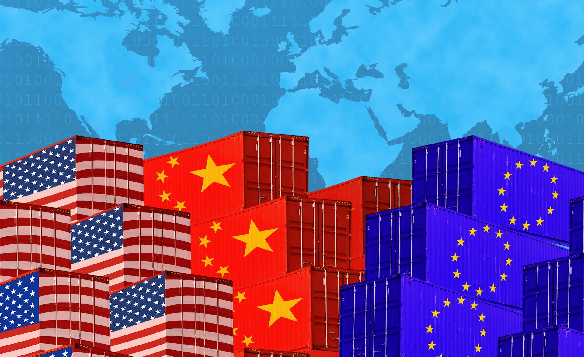 Ο Αντώνης Κεφαλάς με αφορμή τα ευρωπαϊκά κονδύλια που θα δοθούν με όρους είτε ως δάνεια, είτε ως επιχογηρήσεις προεκτείνει την σκέψη του στο ευρωπαϊκό όνειρο που βρίσκεται σε ιστορικό σταυροδρόμι. Στην αυγή για τον νέο Ψυχρό Πόλεμο, η Ευρώπη καλείται να παίξει εξισορροπητικό ρόλο ανάμεσα στις ΗΠΑ και την Κίνα. new deal