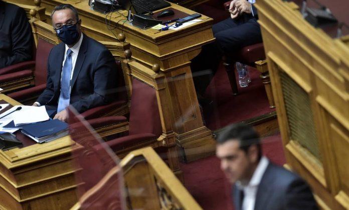 Η Κέλλυ Κοντογεώργη, διευκρινίζει την διαφορά ανάμεσα στην πρόταση δυσπιστίας και πρόταση μομφής σε επίπεδο κοινοβουλευτικής διαδικασίας, όπως αναφέρεται στον Κανονισμό της Βουλής. Αφορμή η πρόταση δυσπιστίας που κατέθεσε ο ΣΥΡΙΖΑ, στο πρόσωπο του Υπ. Οικονομικών Χρήστου Σταικούρα. new deal